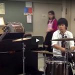 【演奏】80万回再生!高校生とは思えないドラムVSべースのバトルの演奏テクニックが凄過ぎる!
