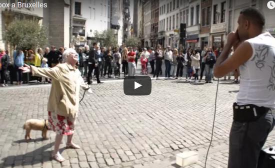 【ダンス】1049万回再生!街頭でイケてるハーモニカの黒人とおばーちゃんのダンスとのバトルが熱くなる