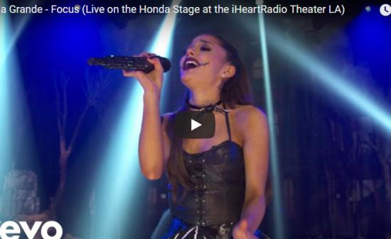【歌】1856万回再生!Ariana GrandeのFocusのライブバージョンが圧倒的な歌唱力で熱狂に!