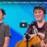 【ソング】668万回再生!13歳と15歳のアコースティックデュオの歌に10秒後には会場が熱狂に!