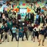 【ダンス】21万回再生!ドバイ空港で大人数でフラッシュモブしてみたら3階まで人だかり!