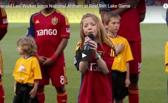 歌】125万回再生!11歳の天才少女が歌う米国国歌斉唱が鳥肌レベルで引き込まれ競技場は湧きに湧く!