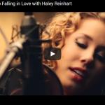 【歌】253万回再生!ハスキーボイスの歌姫ヘイリー・ラインハルトのエルビスの名曲が聞く者の心を打つ!