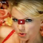 【歌】1.6億万回再生!テイラー・スウィフトの乙女心を歌ったキュートで華やかな歌が心弾み心踊らす♪